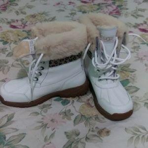 UGG Shoes - Girls uggz